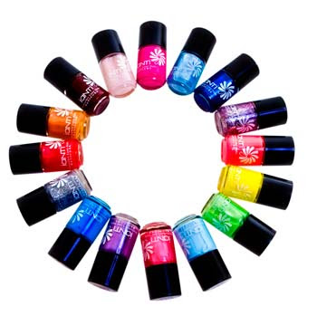 Top-5-Nail-Polish-Colors-Every-Girl-Must-Have