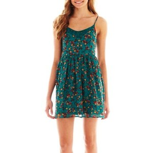 Chelsea Crockett- Arizona Sleeveless Floral Lace Dress