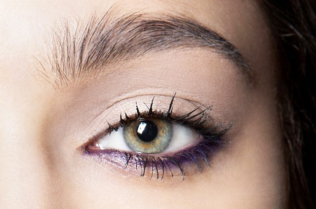 how-to-use-the-abandoned-colors-in-your-go-to-eye-shadow-palette-1656478-1455328442.640x0c